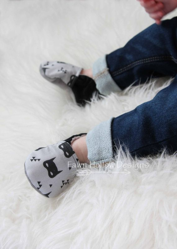 Hey, I found this really awesome Etsy listing at https://www.etsy.com/listing/228680593/batman-baby-shoes-batman-baby-boy-shoes