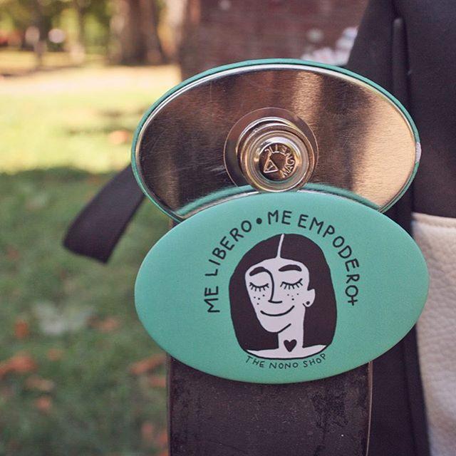 Chapas con enganche de imán - Badge buttons with magnet www.qustommize.com #chapas #chapaspersonalizadas #custom #pins #badge #badges #spille #buttons #crachas #printing #badges #qustommize