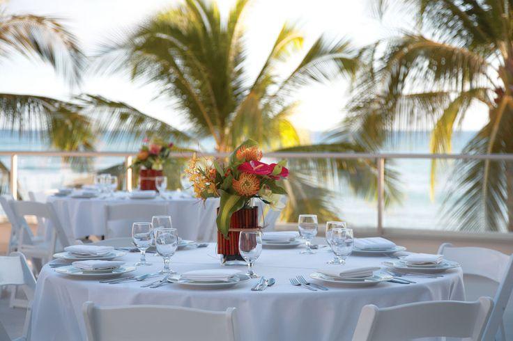 Outrigger Reef Waikiki Beach Resort - outdoor dining