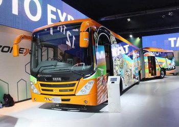 Школьные автобусы Tata оснастят системой слежения.