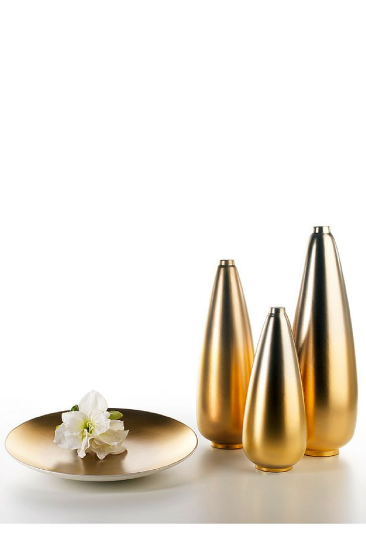 Singapore #ceramics #homelivingceramics #vase #gold #yeallowgold #homeaccessories #interiordesign | www.arfaigm.com