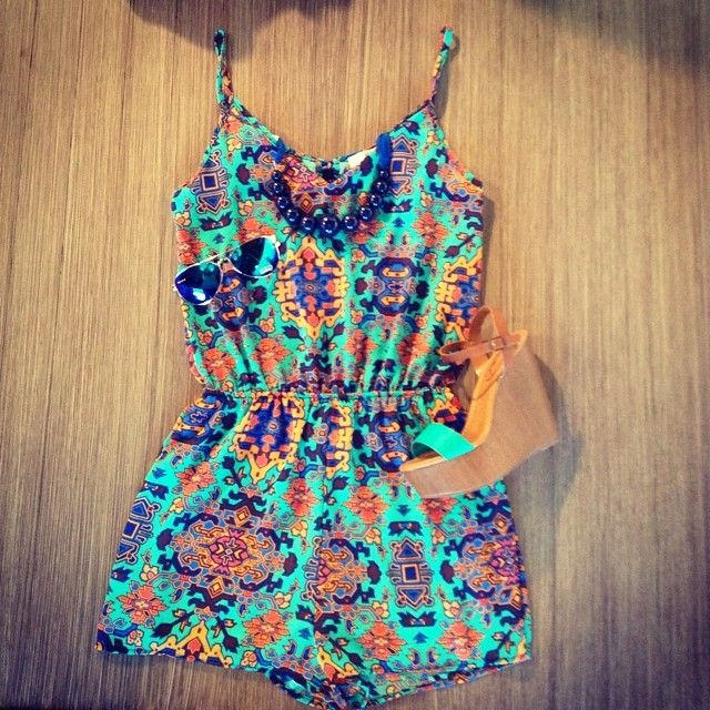 Soo cute! Romper and wedges!! ♡