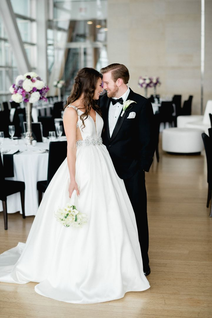 Downtown Glam At The Clinton Center In Little Rock Arkansas Wedding Coordination By Meredith Events Photography Sterling Imageworks