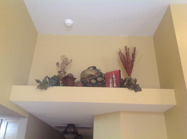 Pot shelf decorating ideas for Pot shelf decorating ideas