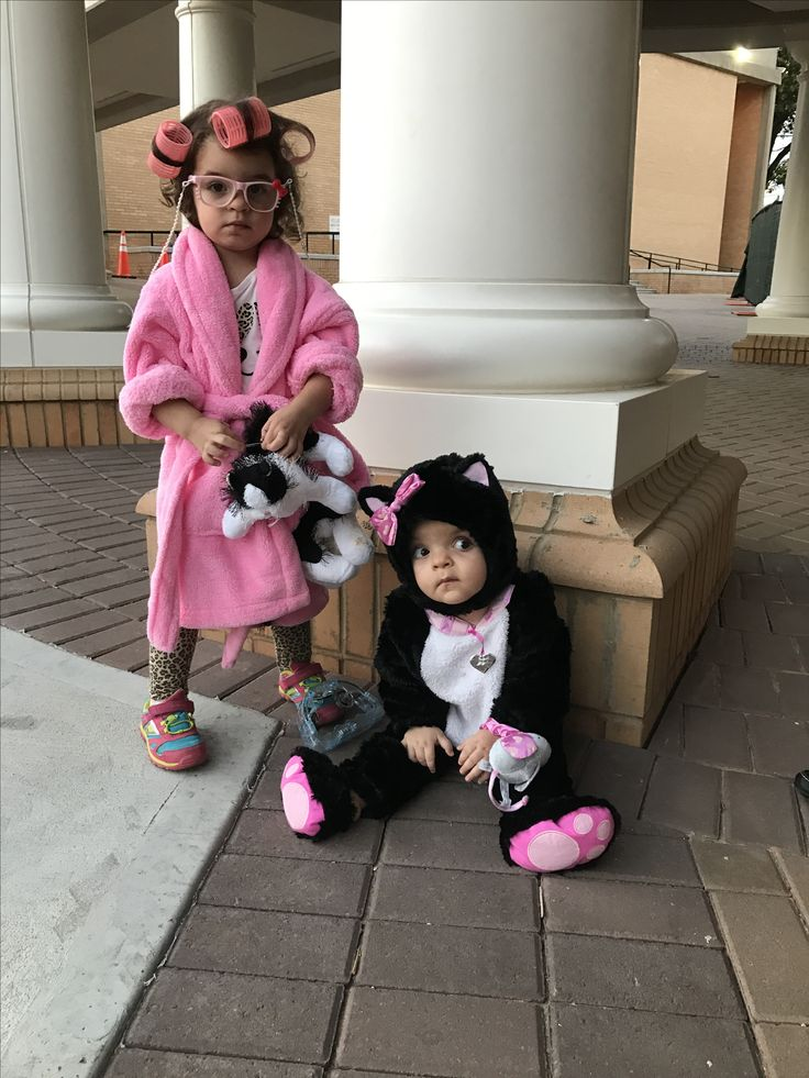 Crazy cat lady toddler Halloween costume and her baby sister as a kitten, sibling Halloween costumes, toddler Halloween costume, ages 2 and 10 months