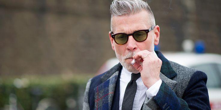 10 ting mænd kan gøre for at se bedre ud.  På Stayclassy.dk har jeg strikket en artikel sammen med hensigten at hjælpe mænd til at se bedre ud via simple og effektive tips.