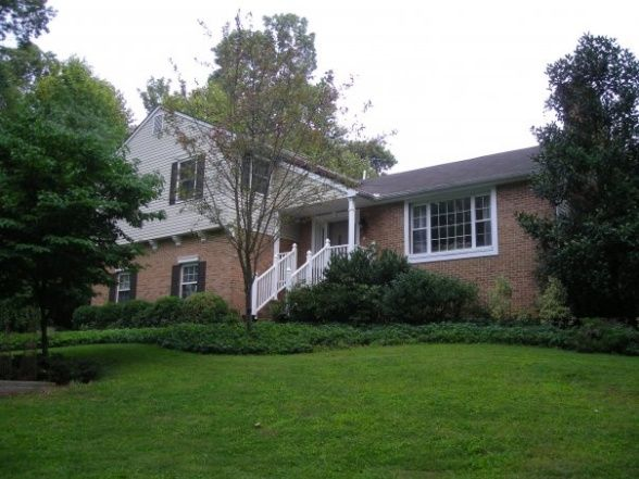 132 best images about tri level homes on pinterest split for Craftsman style split level homes