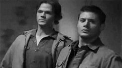 J2 <3 this is the blooper that made me realize my love for Supernatural:) because I watched the bloopers before I had watched the show and this was the first one to make me laugh ;D | hahahaha best gif ever!!