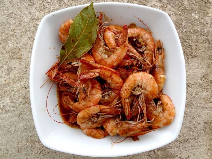 Crevettes bbq style Louisiane Cette recette de crevettes délicieuse m'a été offerte par une amie américaine très chère qui vit à la Nouvelle-Orléans. C'est un vrai régal, on s'en met plein les doigts et on sauce avec un bon pain bien croustillant et on se retrouve pas bien loin du Paradis ! Bien sûr pour un