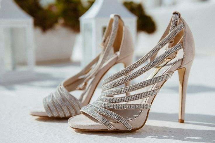Gorgeous shoes #bridal #sandals #elegance #fashion #silver #nude #style #santorini #wedding #planner
