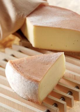 Fromages de Rungis : le Saint-Nectaire au lait de vache provenant d'Auvergne