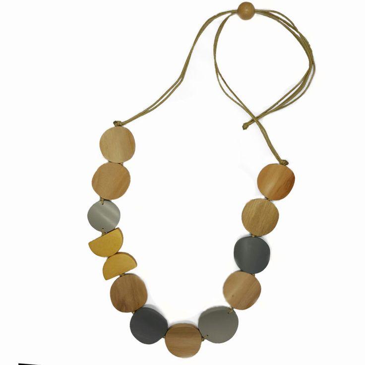 Wooden Discs Necklace