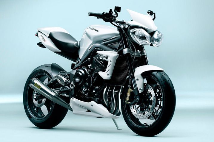Triumph Street Triple R : underpowered but British and fun.