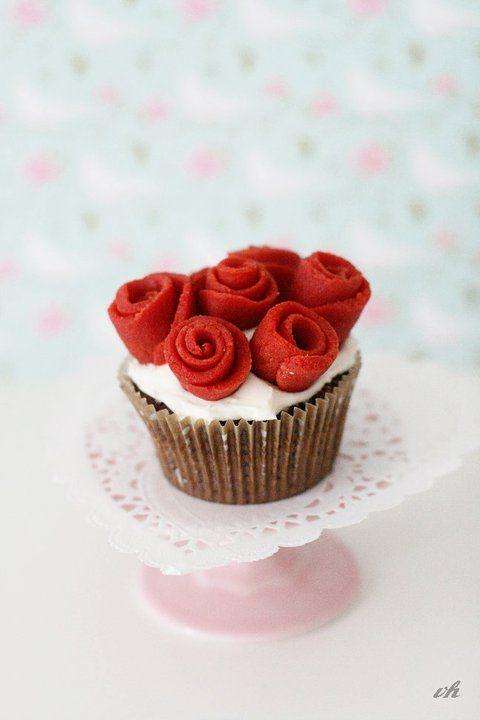 die besten 17 ideen zu valentinstag cupcakes auf pinterest valentins cupcakes valentinstag. Black Bedroom Furniture Sets. Home Design Ideas