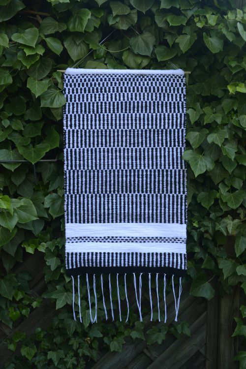 weaving and graphic design made in Szczecin, Poland hello@linesdots.pl