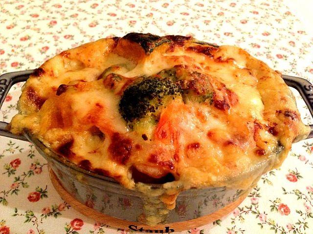 チーズがあふれました、、、(^。^) - 15件のもぐもぐ - シチューをリメイク ポテトグラタン by fromiyuki