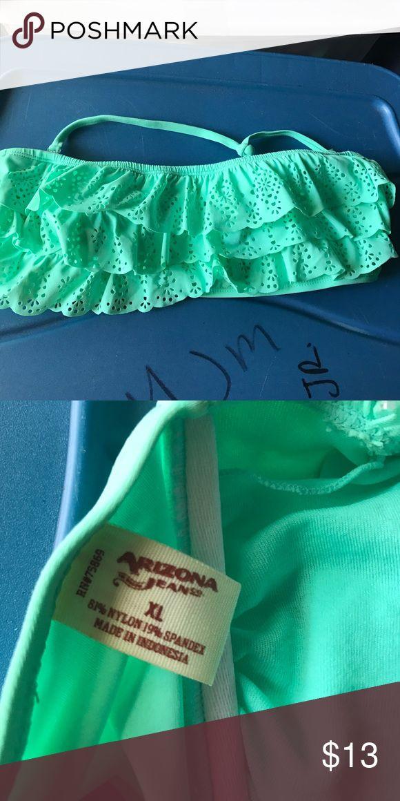 ⚡️NEW⚡️ bandeau bikini top This mint green bandeau bikini top with filigree ruffles on the front makes it a super cute addition to any swimming or beach day! Lightly worn. Arizona Jean Company Swim Bikinis