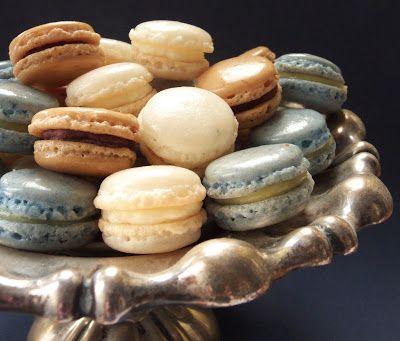 Candy's: Segítsüti macaronok - kávés-csokis, kókuszos és blue curacao