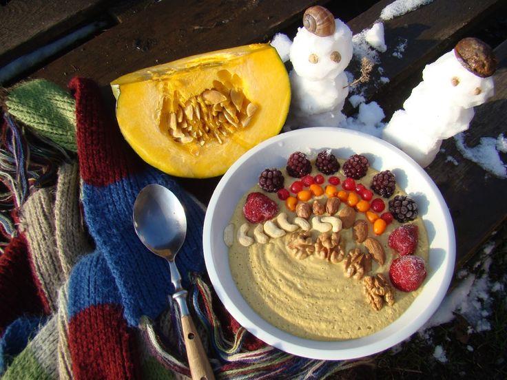 Dýňová smoothie bowl s kořením a vlašskými ořechy