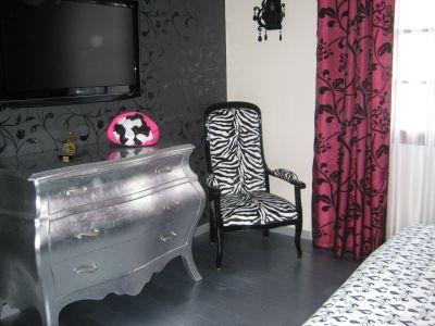chambre romantique baroque blanc noir fuchsia vous avez une chambre la