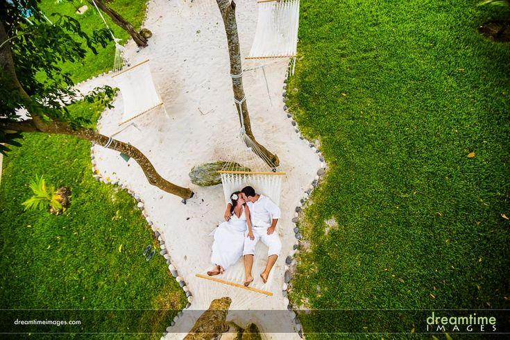 Bride and groom in a hammock at their Isla de la Pasión wedding. http://dreamtimeimages.com/blog/passion-island-wedding-photography-isla-del-passion-mexico-kelly-jason/