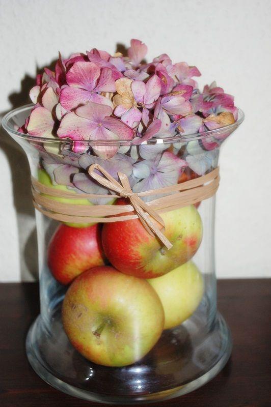 Apfeldeko mit Hortensie