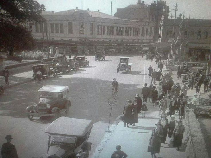 Parramatta in 1938. Murray Bros top left of the picture. The town hall is to the right. History Parramatta NSW