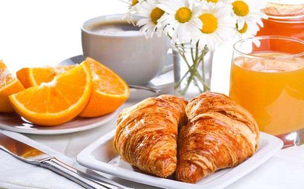 5 λόγοι για να παραλείψετε το πρωινό γεύμα.