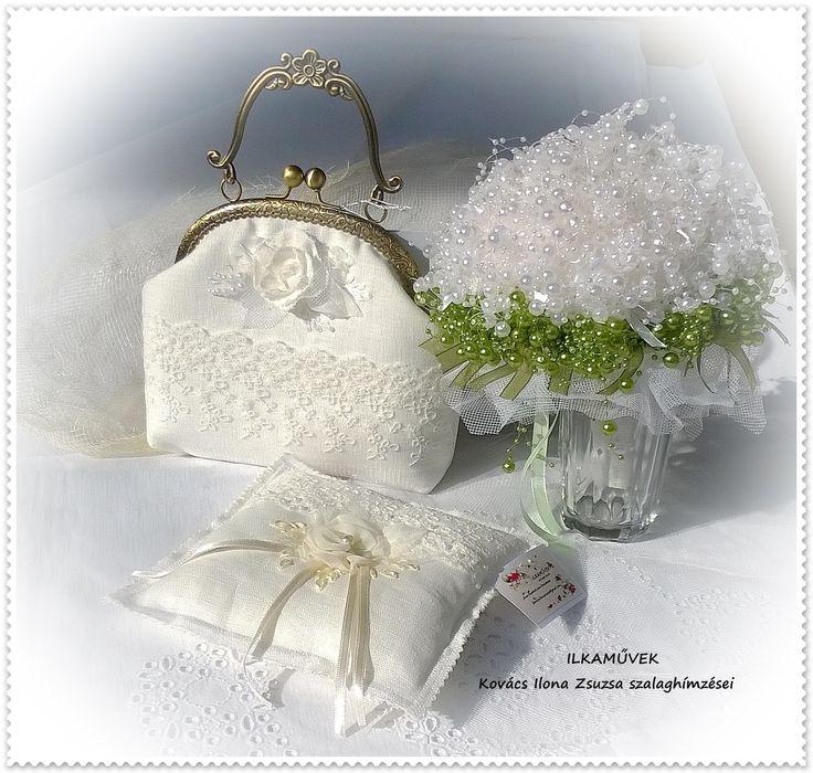 Táska, gyűrűpárna és gyöngycsokor esküvőre.