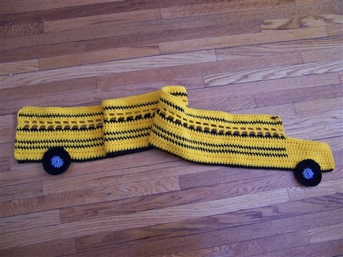 school bus scarf - crochet pattern... Could you make this for Jake's