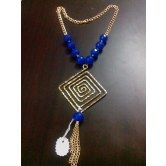 square-necklace-in-blue