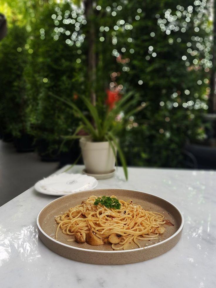 """""""Spaghetti Aglio Olio"""", Hello Sunday, Jakarta"""