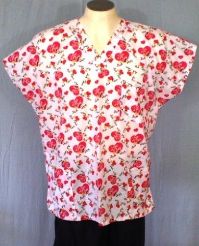 I Love Lucy White Large Scrub Top Red Hearts Cotton Blend #ILoveLucy