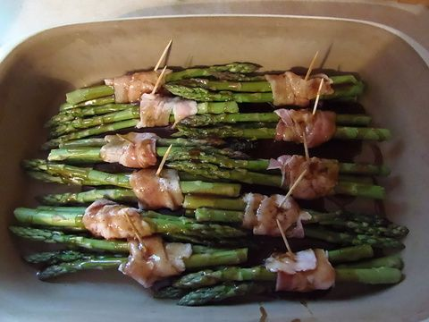 The Secret to Having it All......: Trisha Yearwood's Asparagus Bundles