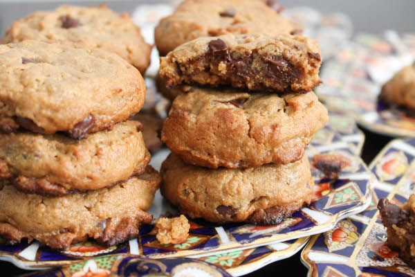 Flourless (gluten free) Peanut Butter Chocolate Chip Rice Crispy Cookies
