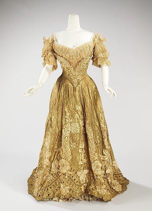 Платье от Жака Дусе