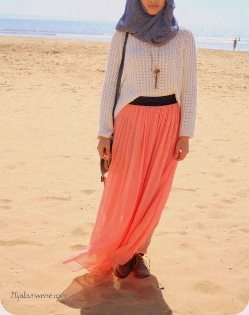 Tumblr Maxi skirt. Coral. Sweater. Comfy. Light. Hijabi fashion.
