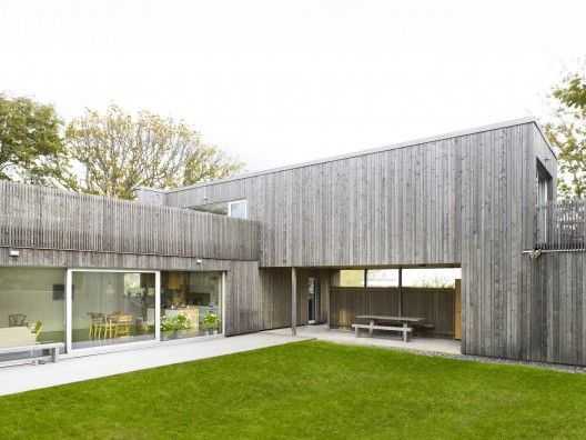 vertical timber cladding/simple timber box Wood House / UNIT Arkitektur AB
