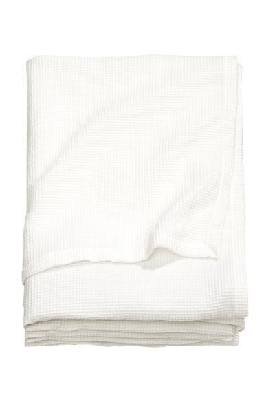 ❤️❤️❤️ H&m Home Jeté de lit gaufré: Jeté de lit en tissu de coton mélangé à l'armure gaufrée.