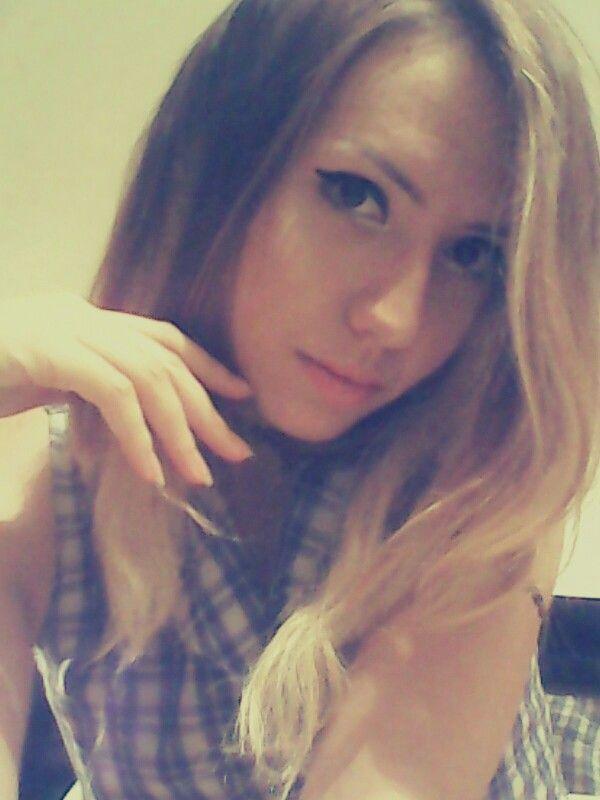 Long hair light makeup