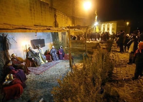 Quinta edizione del presepe vivente nei Sassi di #Matera, quattrocento figuranti e migliaia di turisti ad assistere nei vecchi rioni della città #Capitale della #cultura europea 2019.: