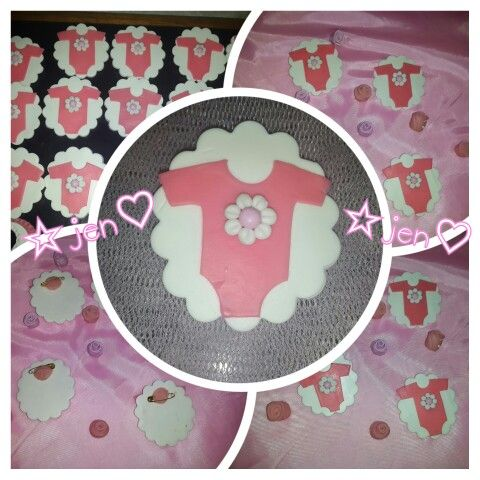 Body porcelana fría, polymer clay. Souvenirs, prendedor, baby shower, nacimiento.