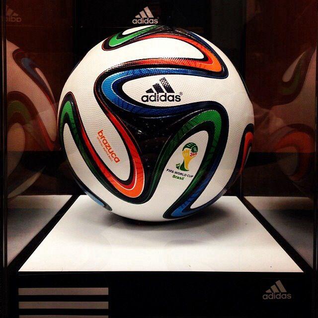 FIFA WORLD CUP 2014 BRAZIL OFFICIAL MATCH BALL #BRAZUCA