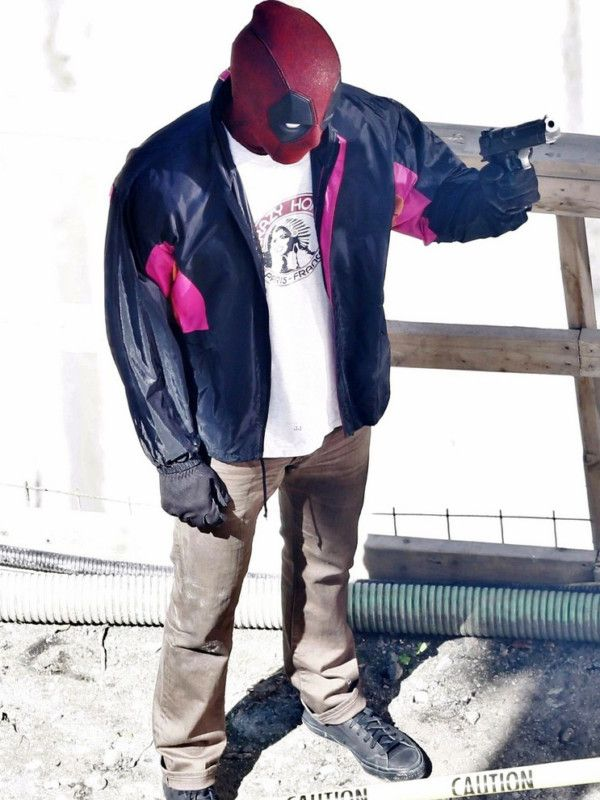 wields a gun deadpool 2 ryan reynolds jacket pinterest ryan reynolds deadpool and dead pool