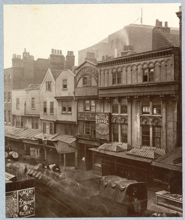 Medieval London : Aldgate high street