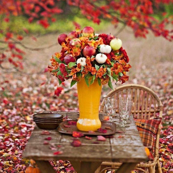 diy Wedding Crafts:  Apple Pumpkin Fall Centerpiece - http://www.diyweddingsmag.com/diy-wedding-crafts-apple-pumpkin-fall-centerpiece/