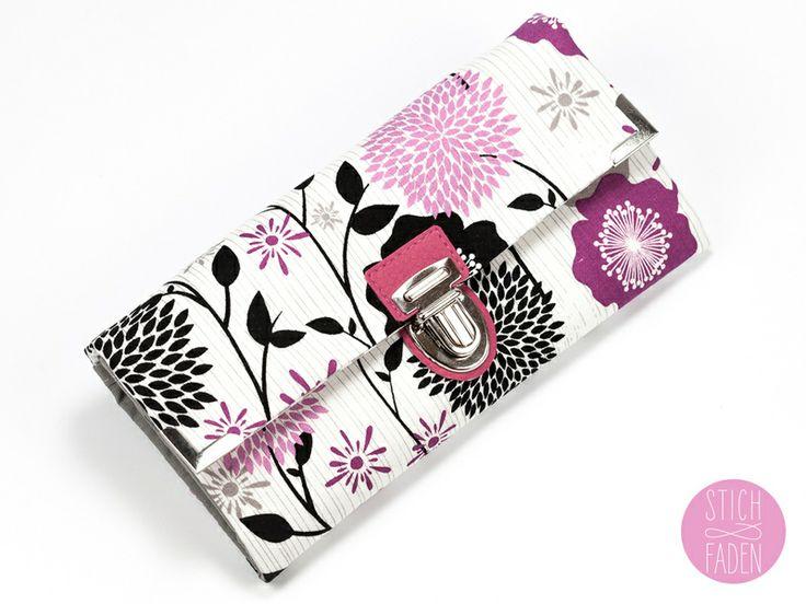Portemonnaie Geldbörse Stoff pink schwarz Blumen von Stich & Faden auf DaWanda.com