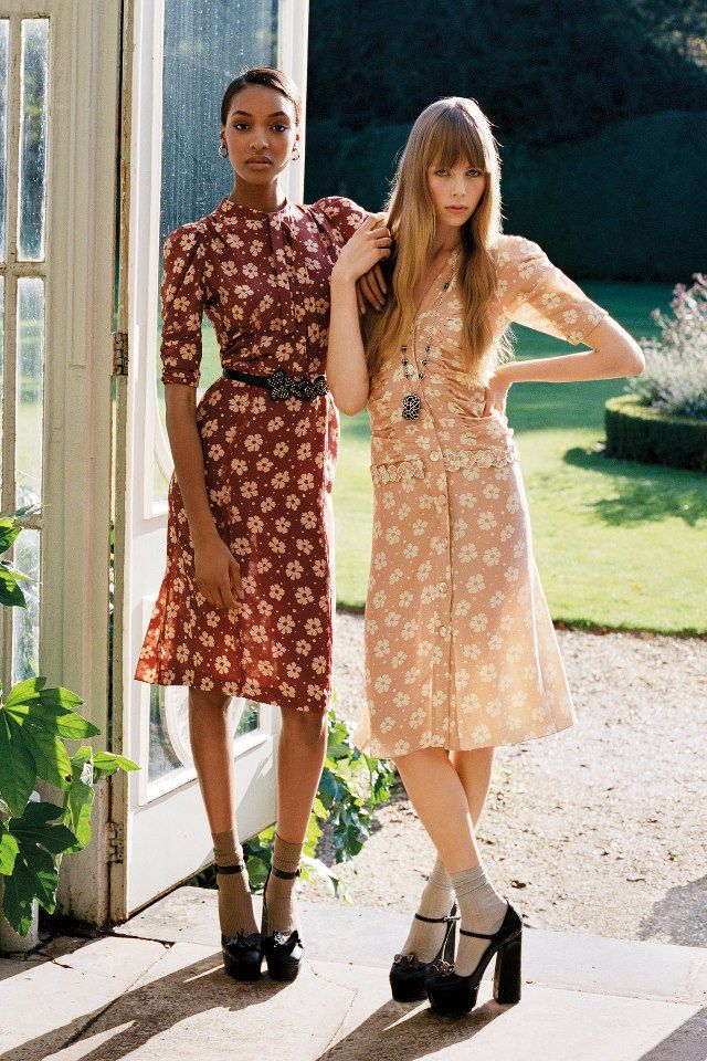 Love the 70s vibe of this photo and the dresses