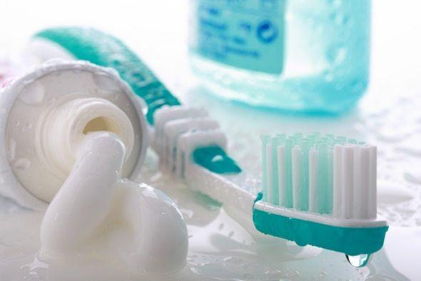 Pasta de dinti: 15 utilizari surprinzatoare