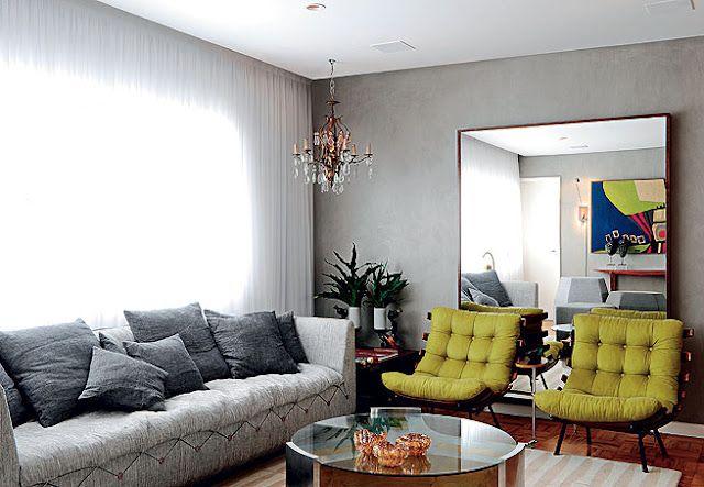 Cadeiras amarelas e sofá cinza!!!